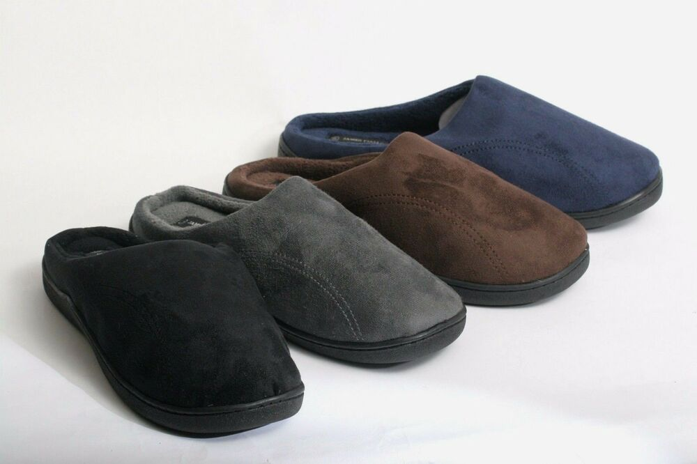 Our best-selling Women's slippers are perennial favorites for good reason. Available in moccasin, flip flop, slide, and slip-on silhouettes in an assortment of colors, UGG slippers for women are crafted using the most luxurious sheepskin, rich leather, and soft, premium suede for unparalleled cushioning and lightness.