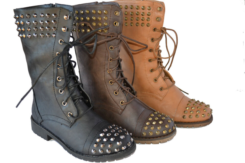 Model Combat Boots Fashion History - Style Jeans