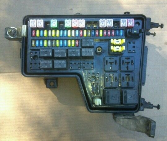 03 Dodge Ram 1500 Power Distribution Center None Fuse