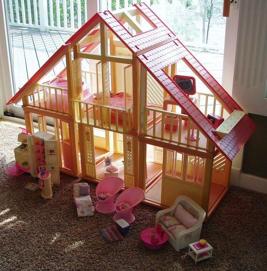 Dreams House Furniture: 1970's Vintage Barbie A-Frame Dream House, Furniture