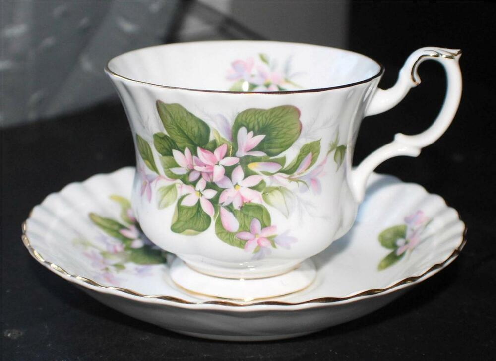 vintage royal albert bone china england mayflower pattern cup saucer ebay. Black Bedroom Furniture Sets. Home Design Ideas