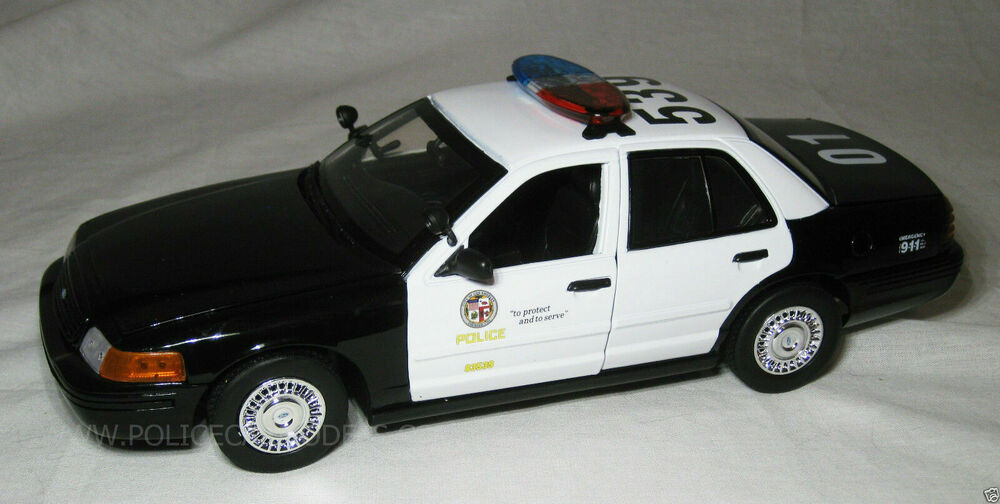 motormax 1 18 lapd los angeles police department ford crown victoria cop cruiser ebay. Black Bedroom Furniture Sets. Home Design Ideas