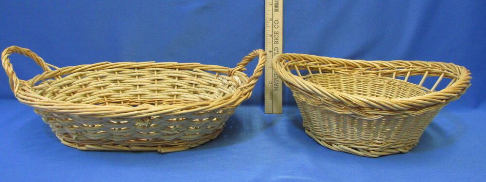lot of 2 decorative woven natural wicker oval baskets 1 w fixed handles ebay. Black Bedroom Furniture Sets. Home Design Ideas