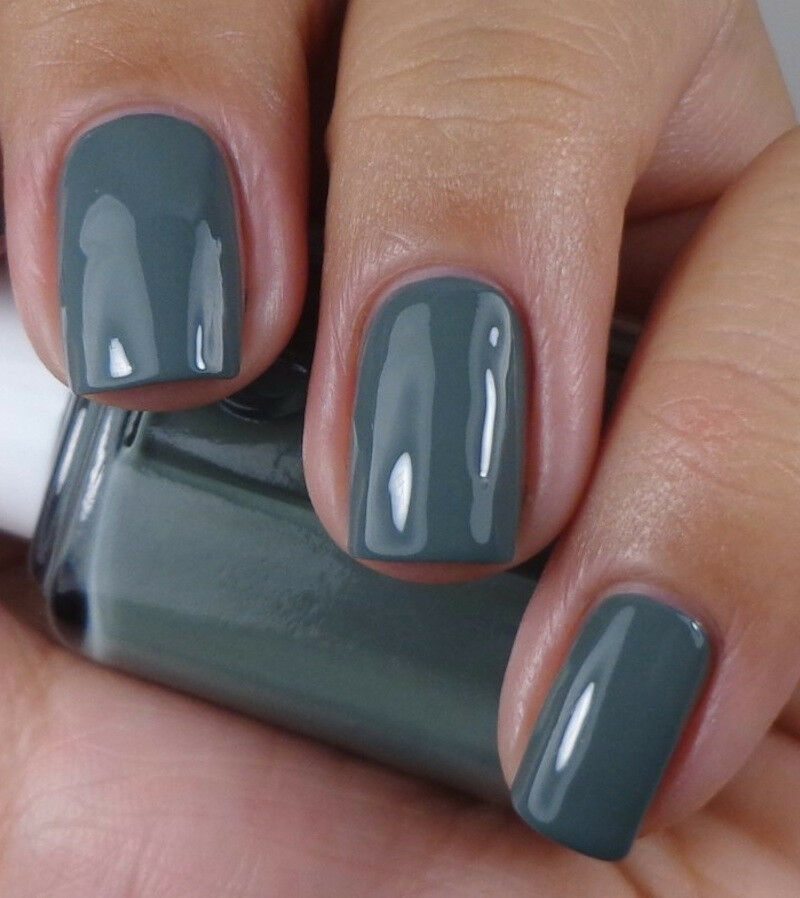 Blue Grey Nail Polish Essie: FALL IN LINE ) Dress To Kilt