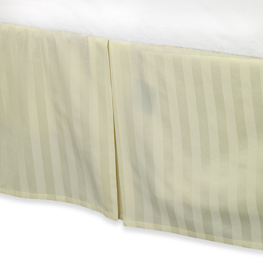Cream colored luxury bed skirt 100 egyptian cotton 500 for Luxury hotel 660 collection bed skirt