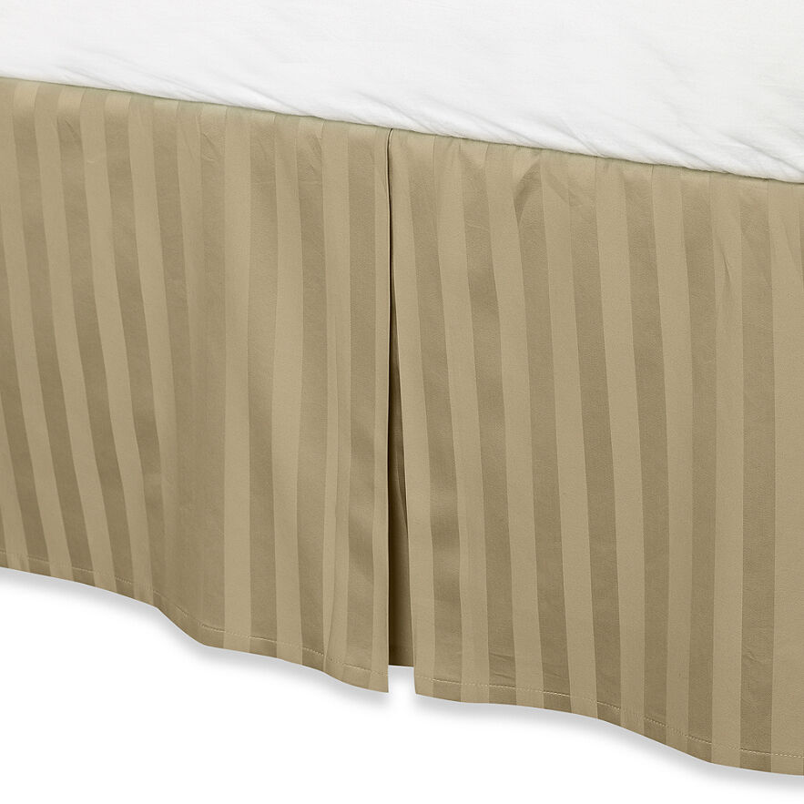 Taupe luxury bed skirt 100 egyptian cotton 500 thread for Luxury hotel 660 collection bed skirt
