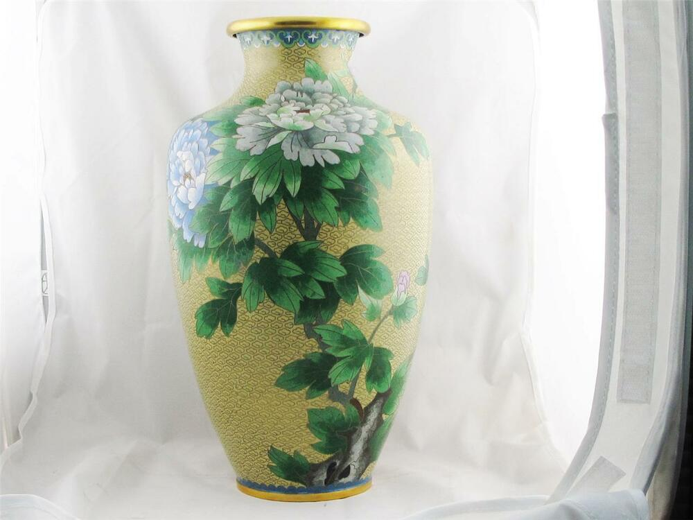 beautiful chinese cloisonne yellow vase w floral. Black Bedroom Furniture Sets. Home Design Ideas