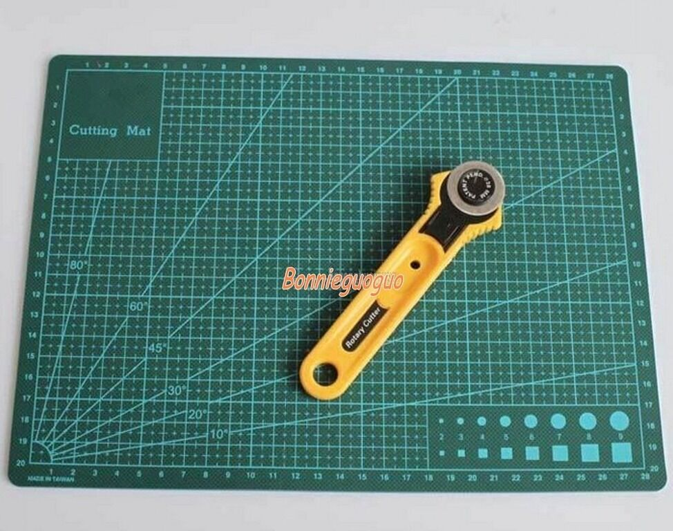 Leather craft 28mm rotary cutter blade w a4 cutting mat f for Cutting mat for crafts