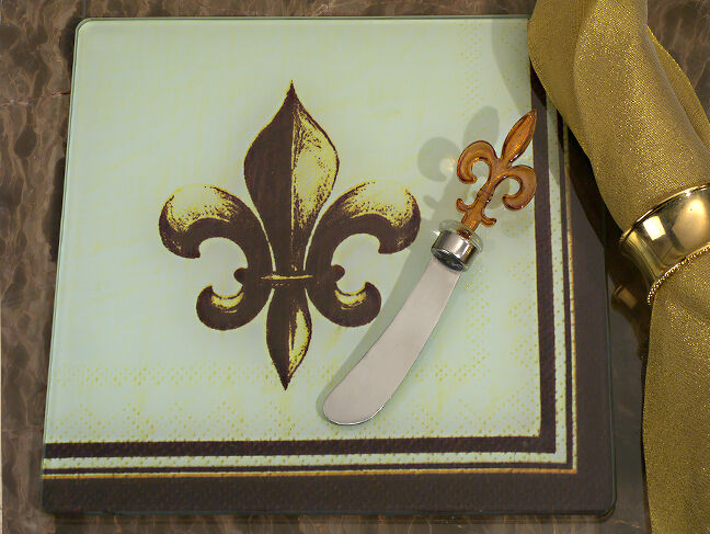 Fleur De Lis Design Cheese Cutting Board And Spreader Set