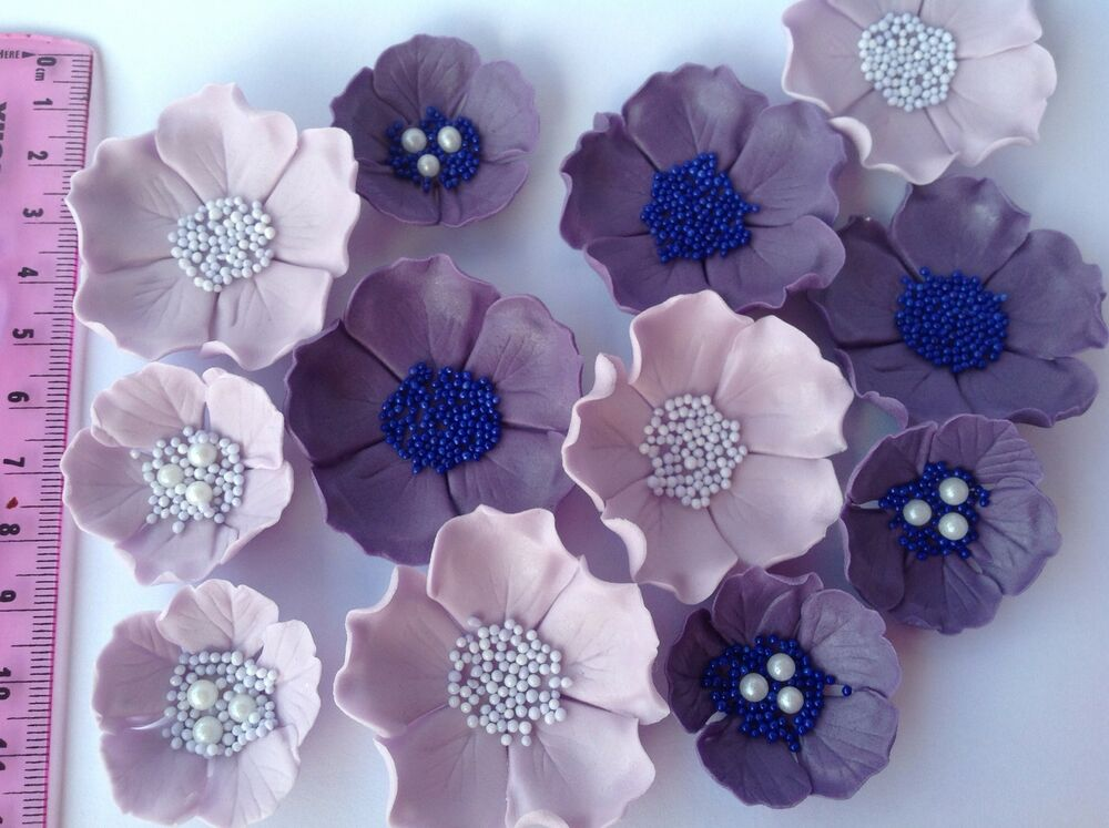 Edible icing sugar flowers wedding cake decorations. 12 ...