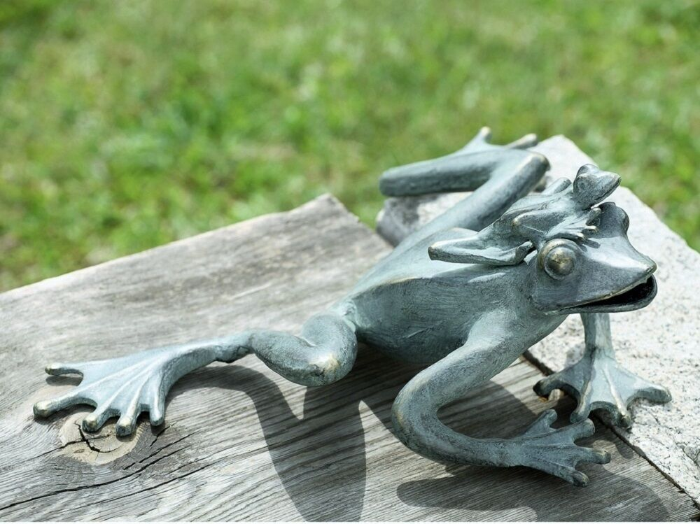 Stsatuette For Outdoor Ponds: Frog Mama & Baby Garden Frogs Pool Pond Garden Decor Metal