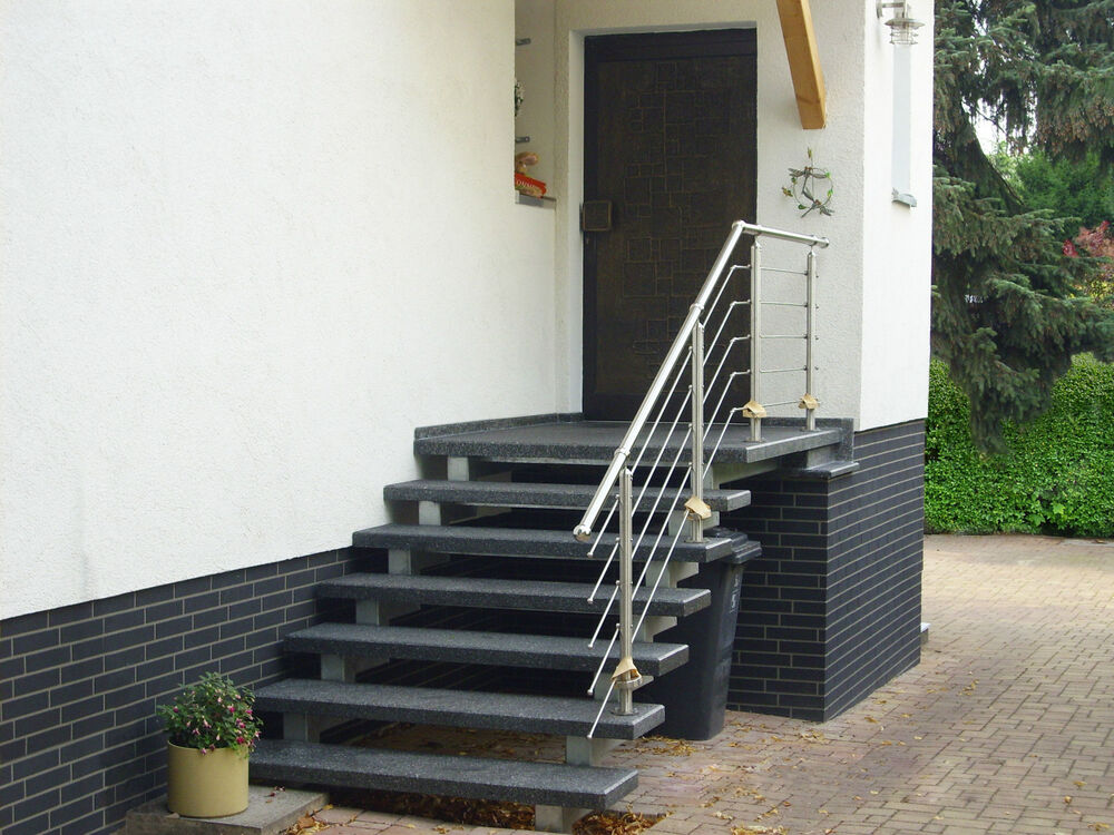 treppe aussen haus eingang podest naturstein granit beton stufe tritt schwarz ebay. Black Bedroom Furniture Sets. Home Design Ideas