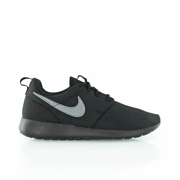 release date 805b8 1d4fc Details about NIKE ROSHE RUN GS WOMENS GIRLS BOYS TRAINERS TRIPLE BLACK ALL  SIZES