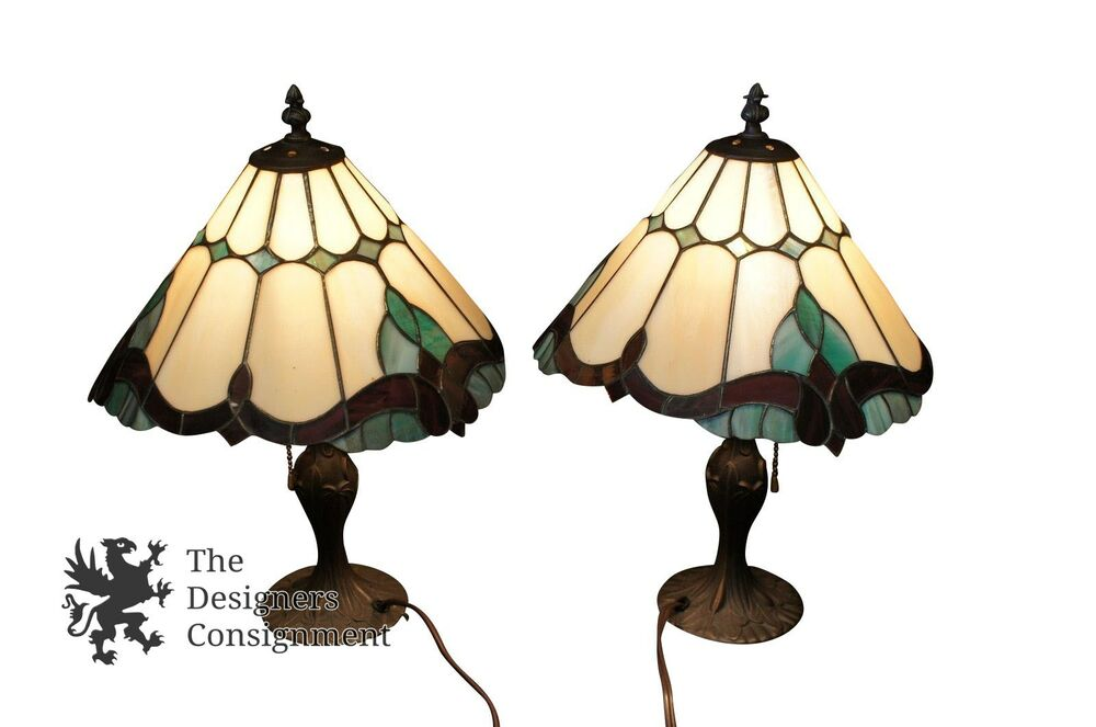 vintage tiffany style stained glass boudoir table lamp bronze base dome shape. Black Bedroom Furniture Sets. Home Design Ideas