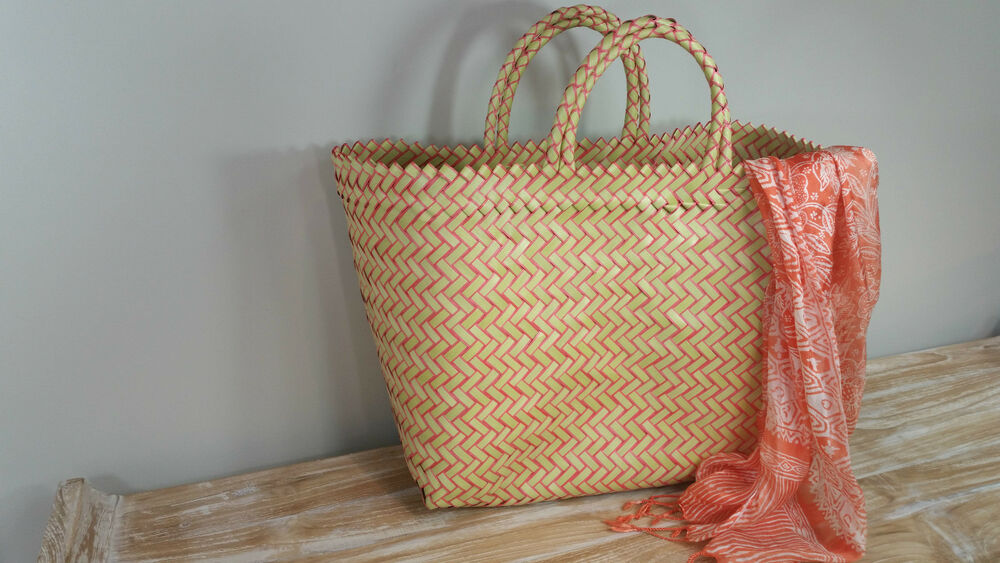 Woven Shopping Basket Uk : Bali traditional recycled plastic hand woven bag market