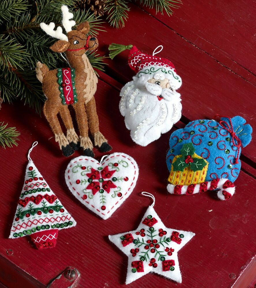 6 Pce. Felt Christmas Ornament Kit