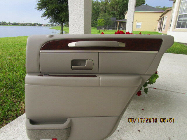 2003 04 05 06 07 08 lincoln town car rear right door panel - Lincoln town car interior door parts ...