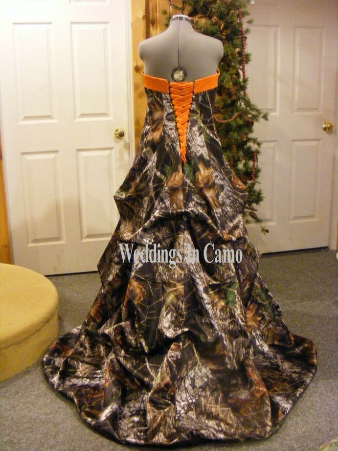 2017 Camo Wedding Dresses Ball Gown Camouflage Strapless