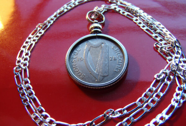 1928 IRELAND Lucky Sixpence ( Harp & Hound) up to 30