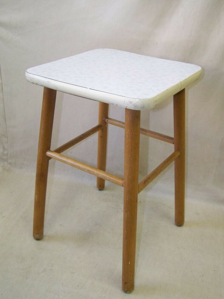 Ddr holz hocker vintage retro design kult stuhl camping for Stuhl ddr design