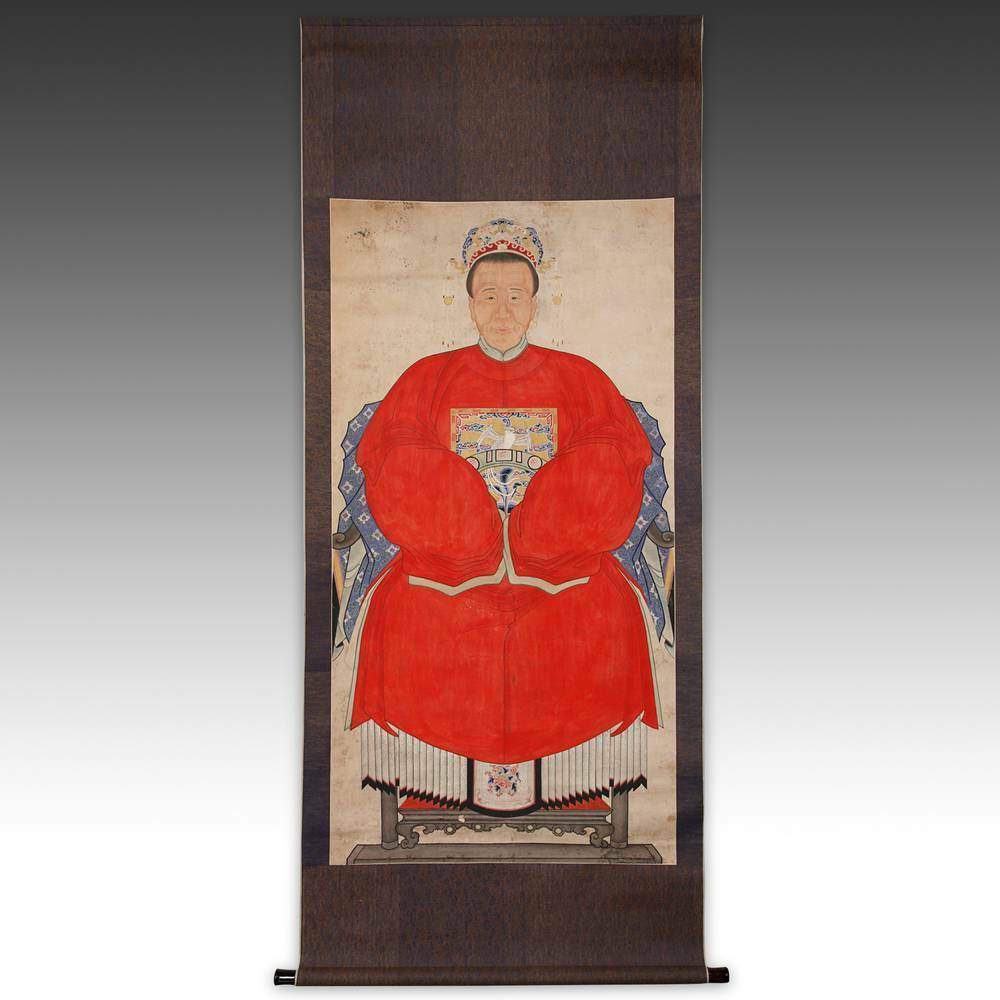 Antique Chinese Scrolls: ANTIQUE CHINESE ANCESTOR PORTRAIT SCROLL PAINTED CLOTH