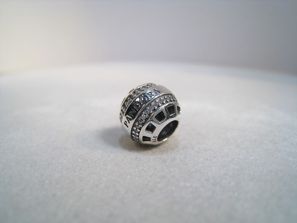 stores that sell pandora charms
