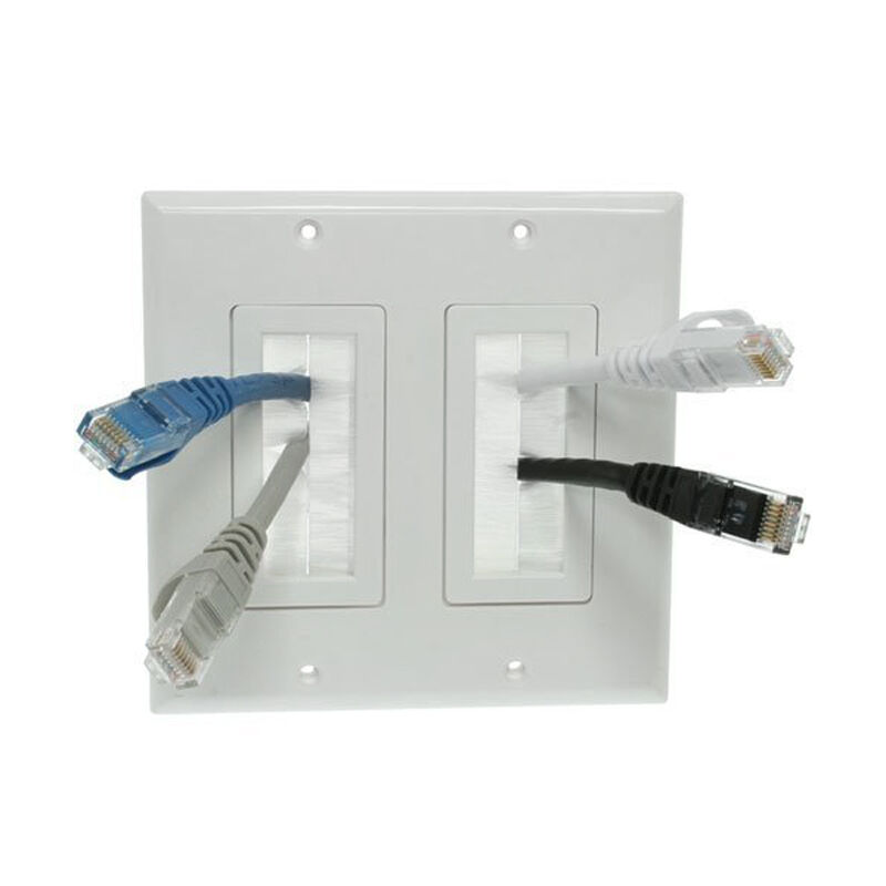 white decorator style audio av brush bulk cable wall plate double faceplate ebay. Black Bedroom Furniture Sets. Home Design Ideas