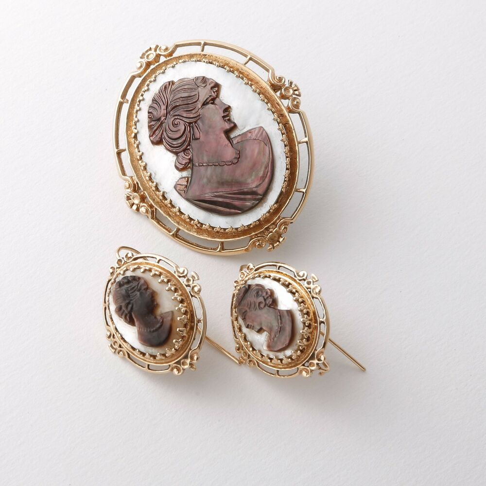 Antique 14k Gold Black And White Mother Of Pearl Cameo