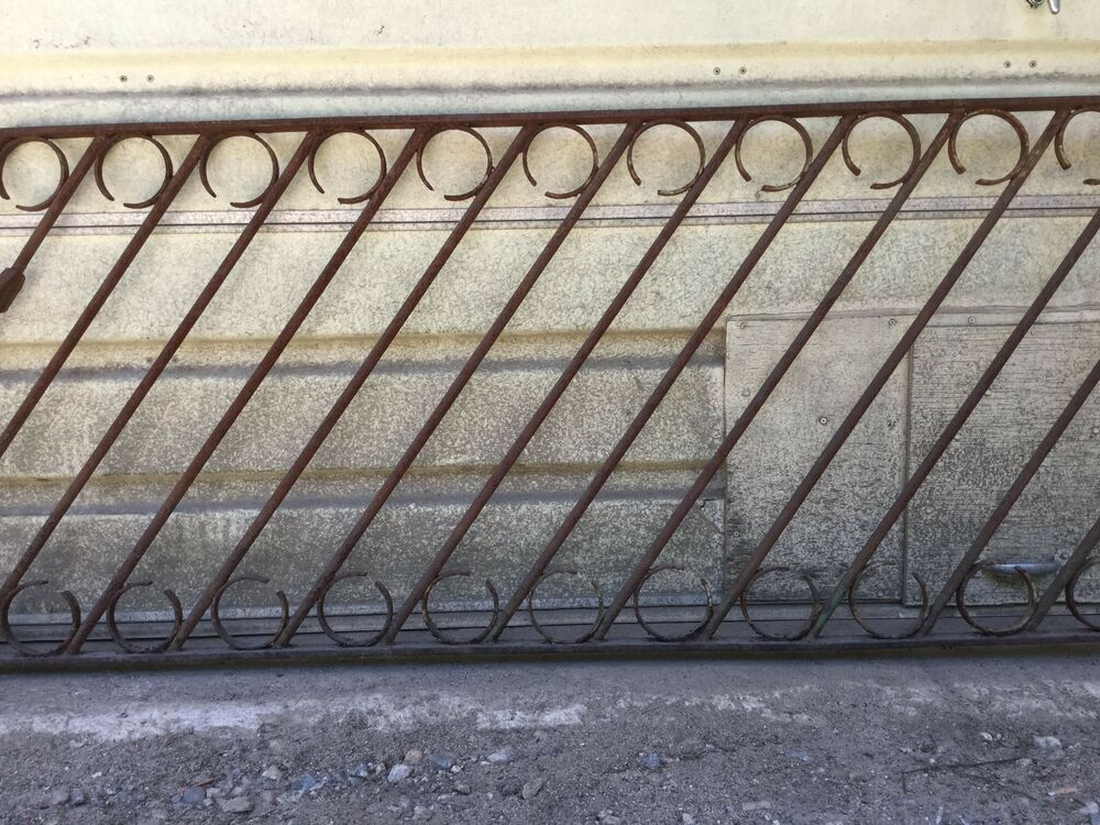 Gorgeous Antique Vintage Old Wrought Iron Hand Rail