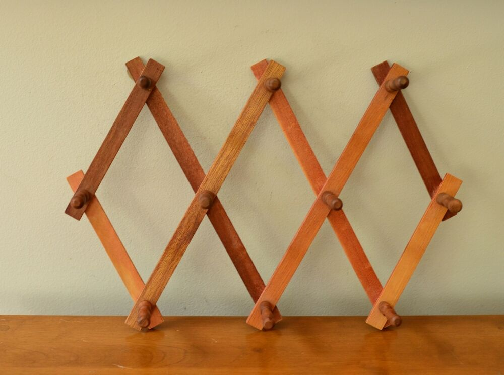 Vtg Wooden Expandable 10 Peg Coat Hat Mug Rack Wall Hanger