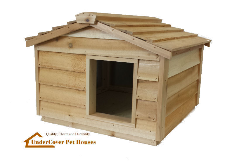 Large insulated cedar cat house small dog house shelter ebay for Insulated dog houses for large dogs