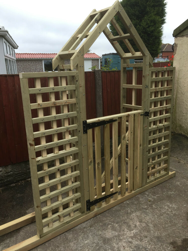Wooden Garden Arch With Side Trellis And A Gate Decking Garden Free Postage