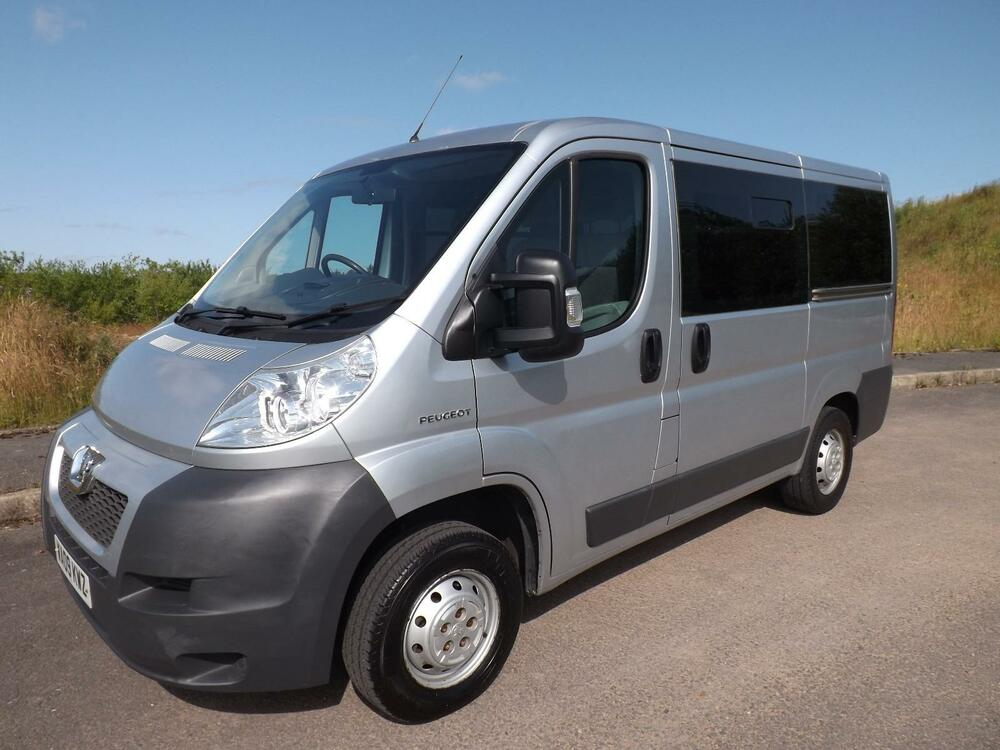 2009 peugeot boxer 9 seat wheelchair accessible minibus with disabled lift ebay. Black Bedroom Furniture Sets. Home Design Ideas