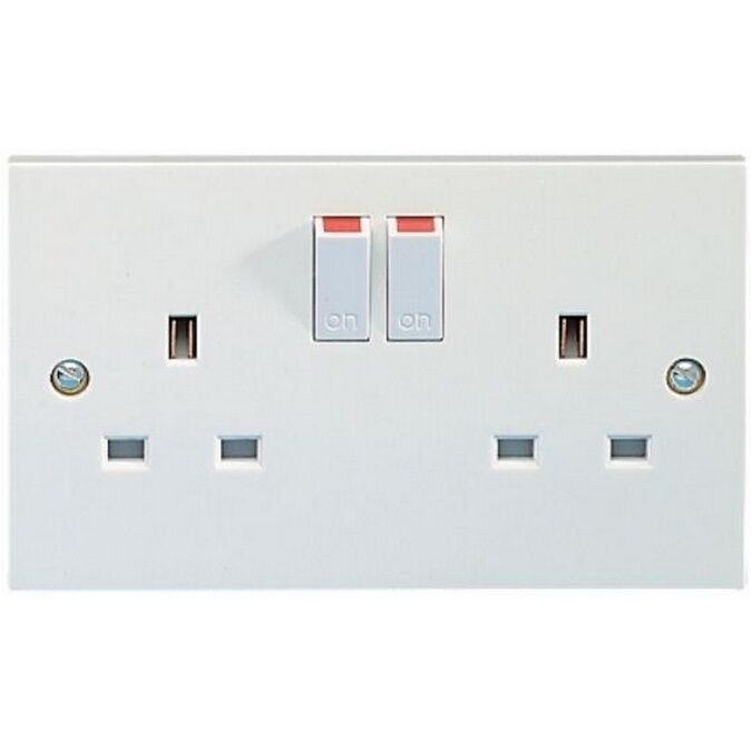 Get 2g 13a Switched Double Socket White Twin Power Point 1