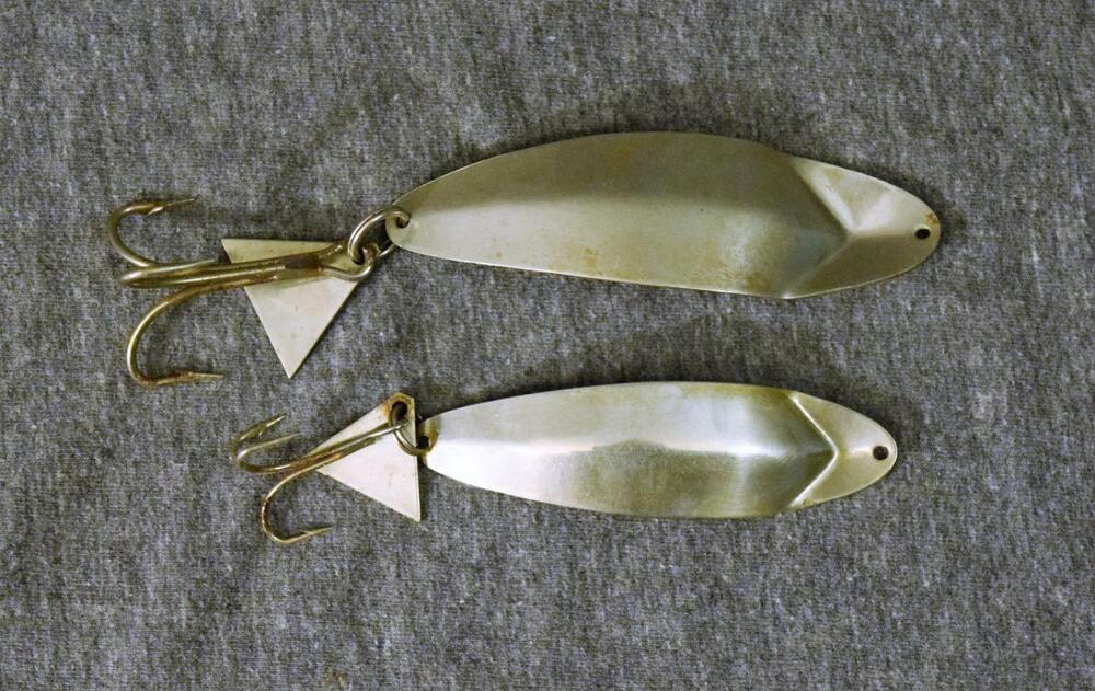 Vintage chris rohour mascot spoon fishing lure pair for Vintage fishing lures ebay