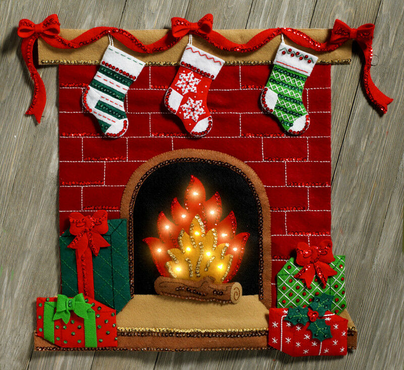Bucilla fireside glow felt christmas wall hanging kit for Advanced molding and decoration s a de c v