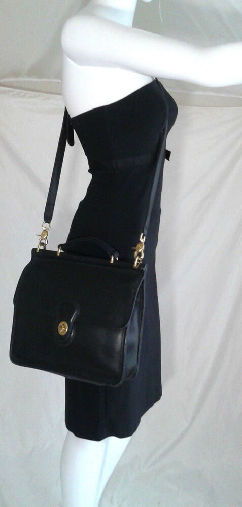 vintage coach willis station bag style 9927 black leather made in usa ebay. Black Bedroom Furniture Sets. Home Design Ideas