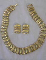 VINTAGE GOLDTONE COSTUME JEWELRY NECKLACE AND EARRINGS SET