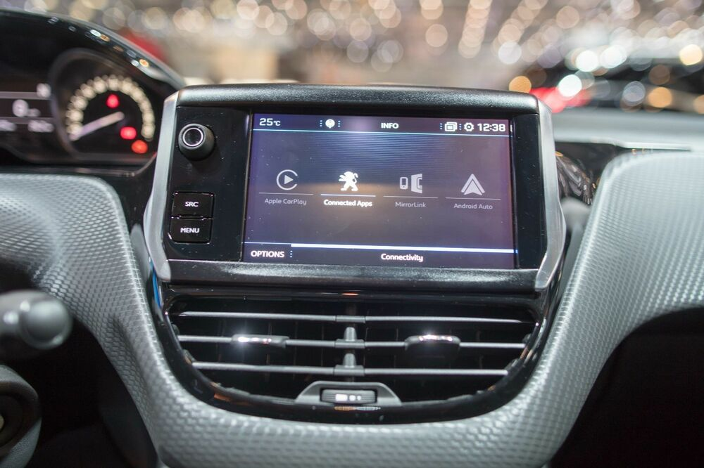 genuine peugeot 208 rcc connected audio system with. Black Bedroom Furniture Sets. Home Design Ideas
