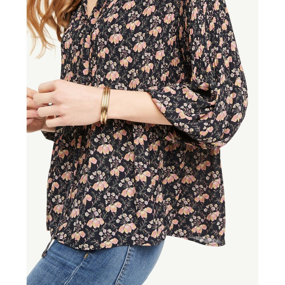 afb6f0cf73cea Details about Ann Taylor Navy Blue Garden Micro Pleated Tie Neck Popover  Floral Blouse Small