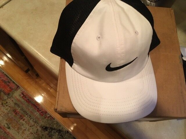 Details about NWT Nike Mens AeroBill Heritage 86 Mesh Adjustable Hat  White Black 919828-100 73bf4b5392c