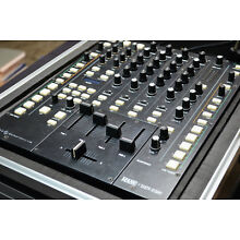 RANE Sixty-Eight 68 Professional Club DJ Mixer + Odyssey Flight Case