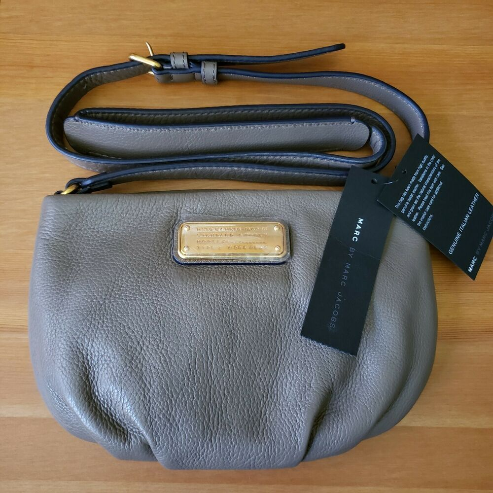 33b73fa0e7 Details about Marc by Marc Jacobs New Q Percy Crossbody Puma Taupe Small  Leather Purse