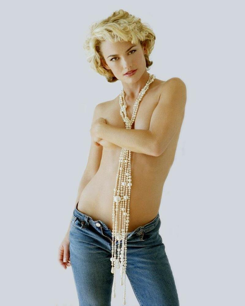 Kelly Carlson Nude Photos 9