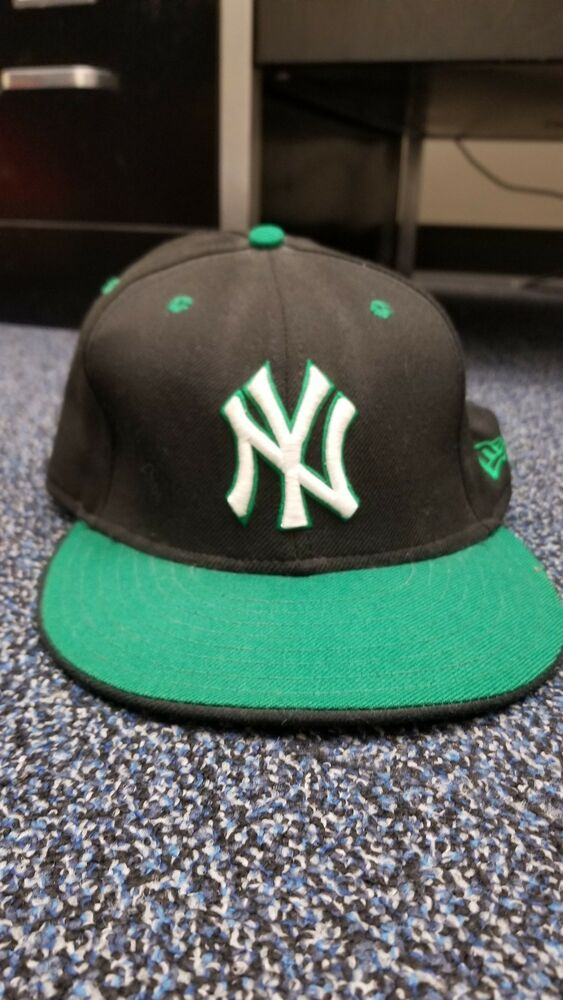 defe66e10c2 Details about New York Yankees New Era hat Size 7 5 8 Black Green MLB Fitted