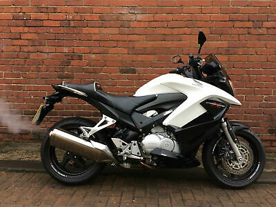 2013 13 Honda VFR 800X Crossrunner white 1 owner 8913 miles great condition