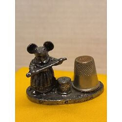 Kyпить Vintage Metzke 1981 Pewter Mouse Magnetic Thimble Holder Thimble Stand  на еВаy.соm