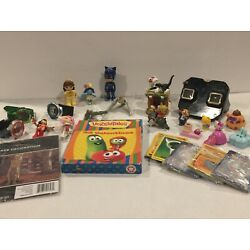 Kyпить Vtg Junk Drawer Lot Collectibles and Future Collectibles of Toys на еВаy.соm