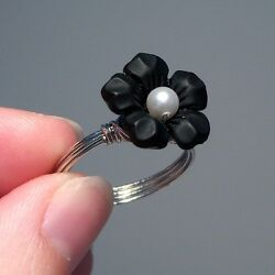 Kyпить Black Lucite Flower Wire-Wrapped Ring with Pearl Center - Custom Colors на еВаy.соm