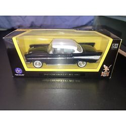 1957 Chevrolet Bel Air, BLACK, 1:43 Scale - Road Signature Collection